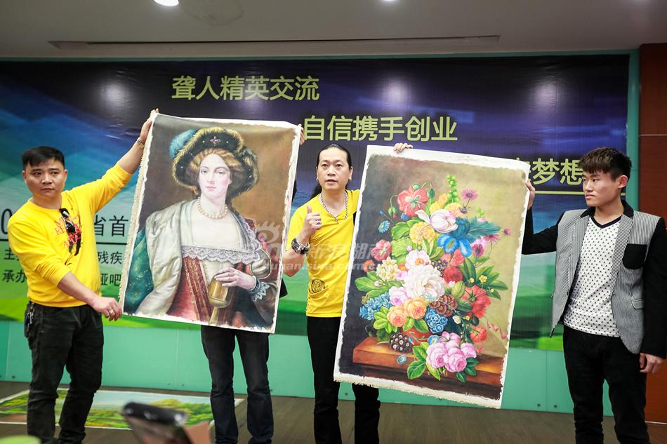 米商;吕川川,山东聋人,油画师……让他们分享成功案例.(摄影/