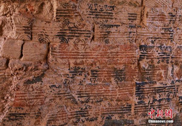 郴州发现东汉末年砖式古墓 纹式精美