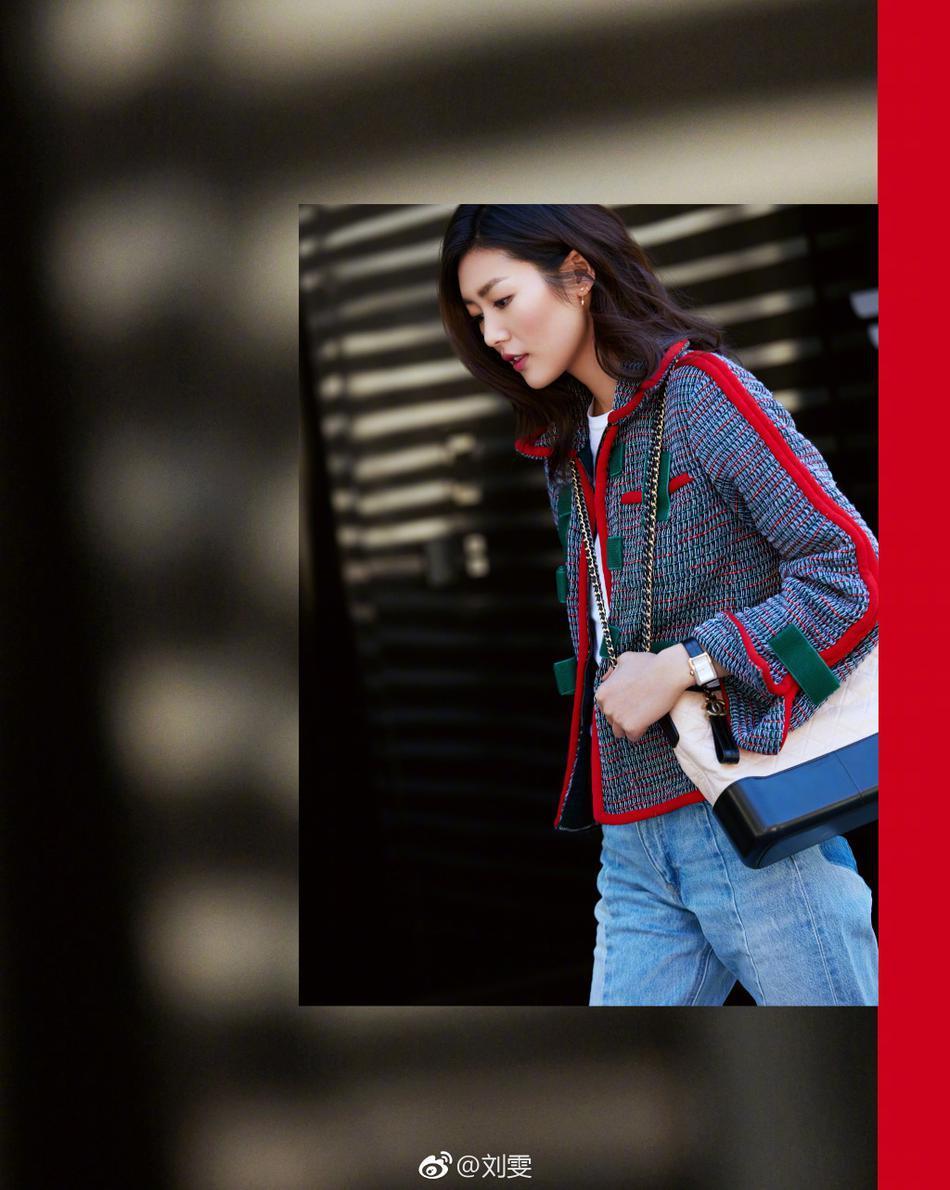 讯 日前,超模刘雯在微博晒出一组早春街拍大秀长腿,靓丽动人,如图片