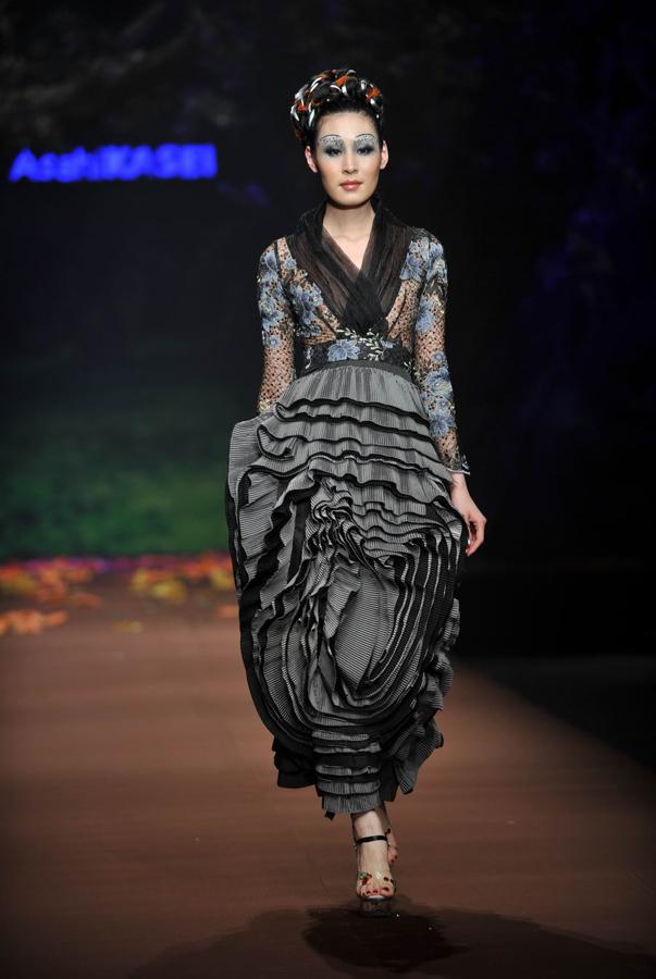 旭化成-中国时装设计师创意大奖张义超作品发布会今晚在北京饭店金色