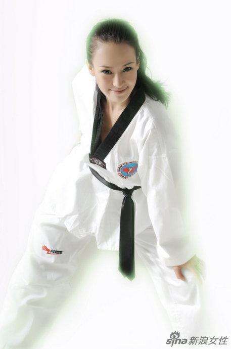 雅跆拳道黑带写真