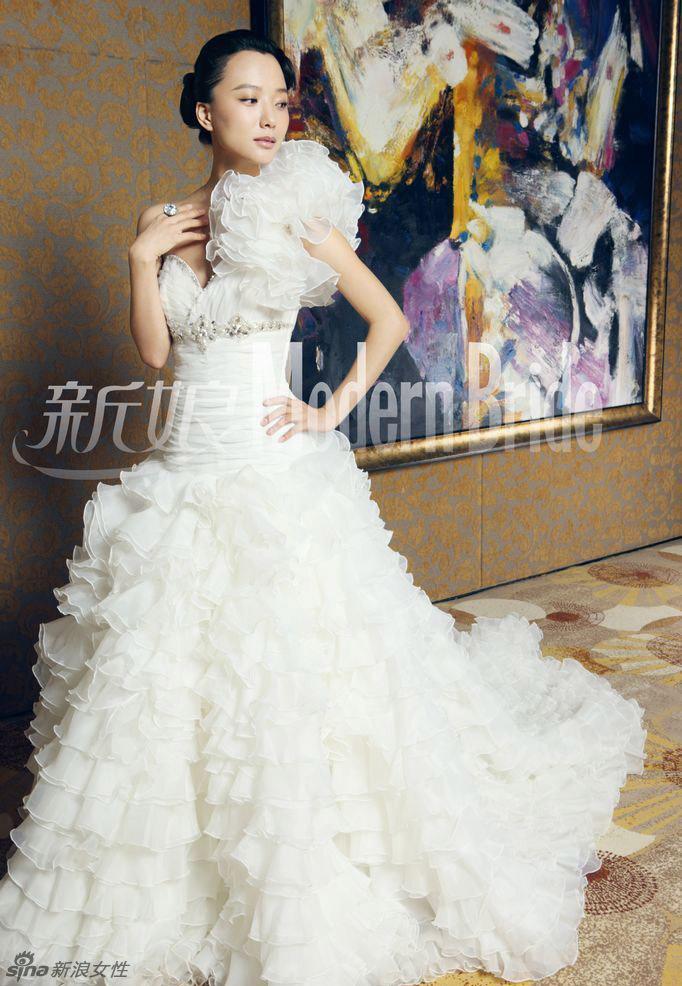 蛋糕裙婚纱尽显王珞丹柔美气质