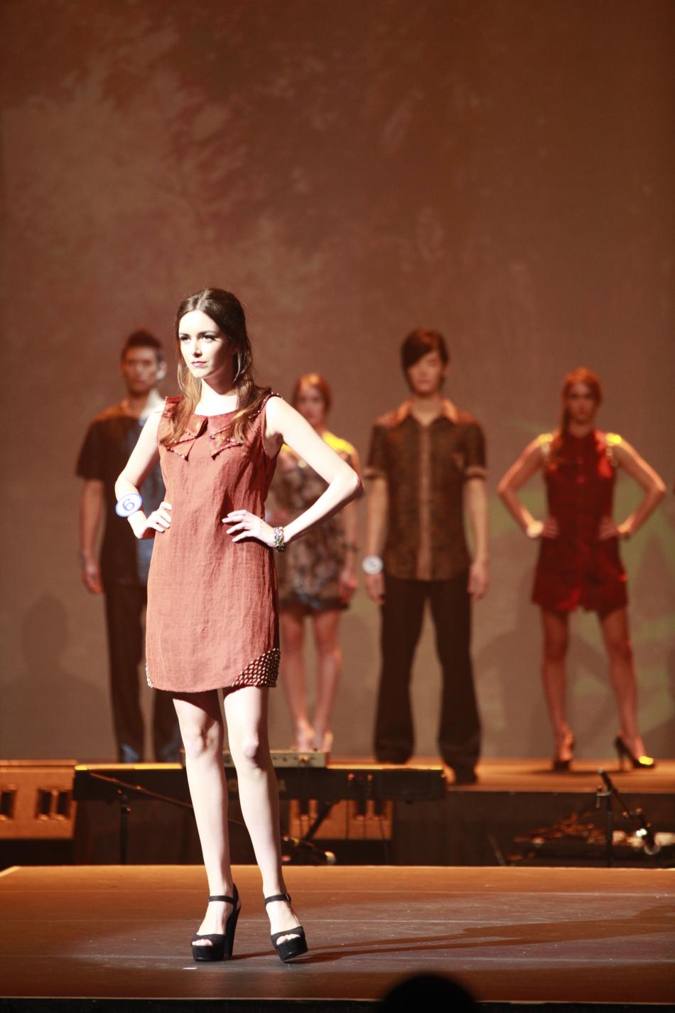 温哥华艺术学院学生服装设计作品展示