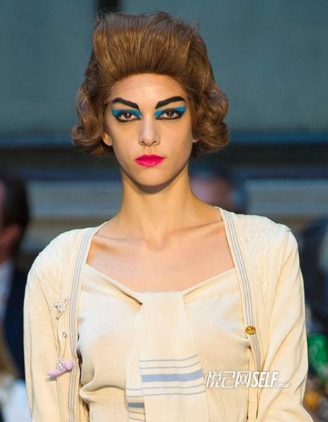 眼绿脸 西太后夸张创意掀彩妆革命