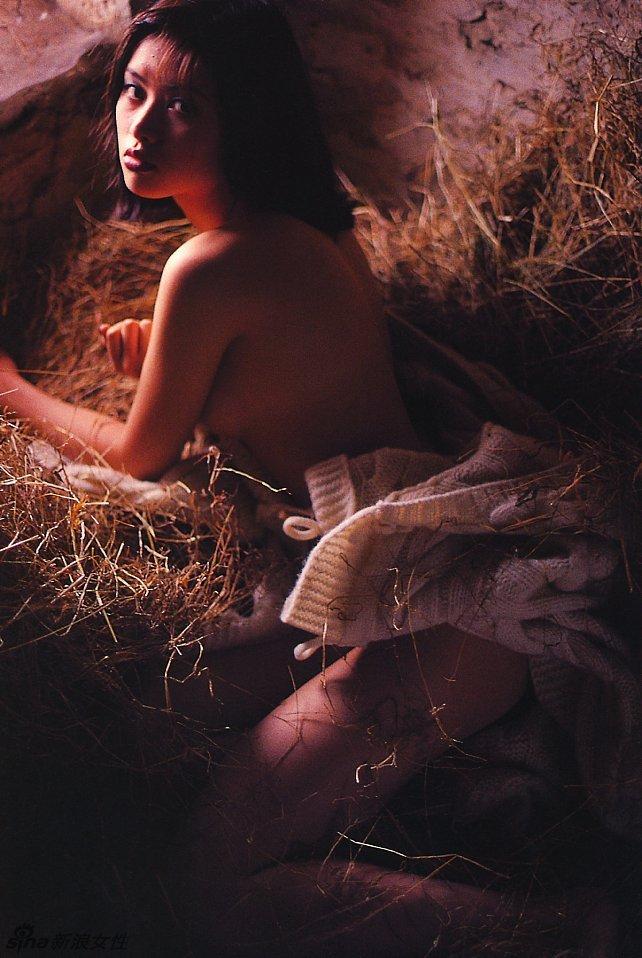 日本写真女神吉野纱香少女主题大片 娇嫩诱惑
