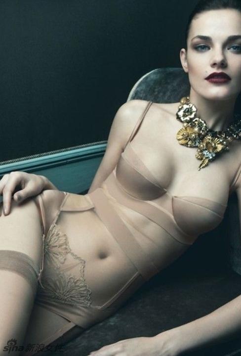 女人的性感必杀技 撩人吊袜带情趣诱惑 高清图片