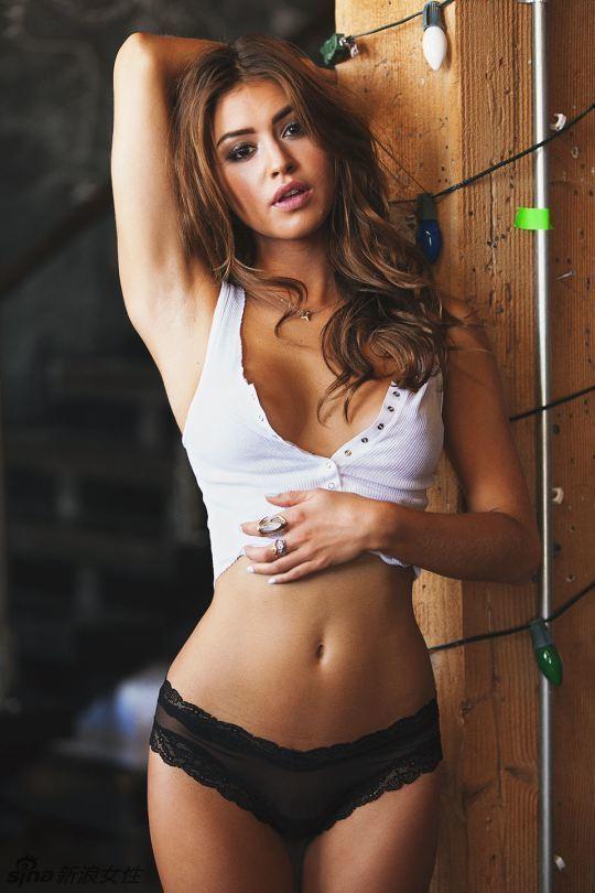 新晋嫩模Gigi海量性感美图曲线傲人