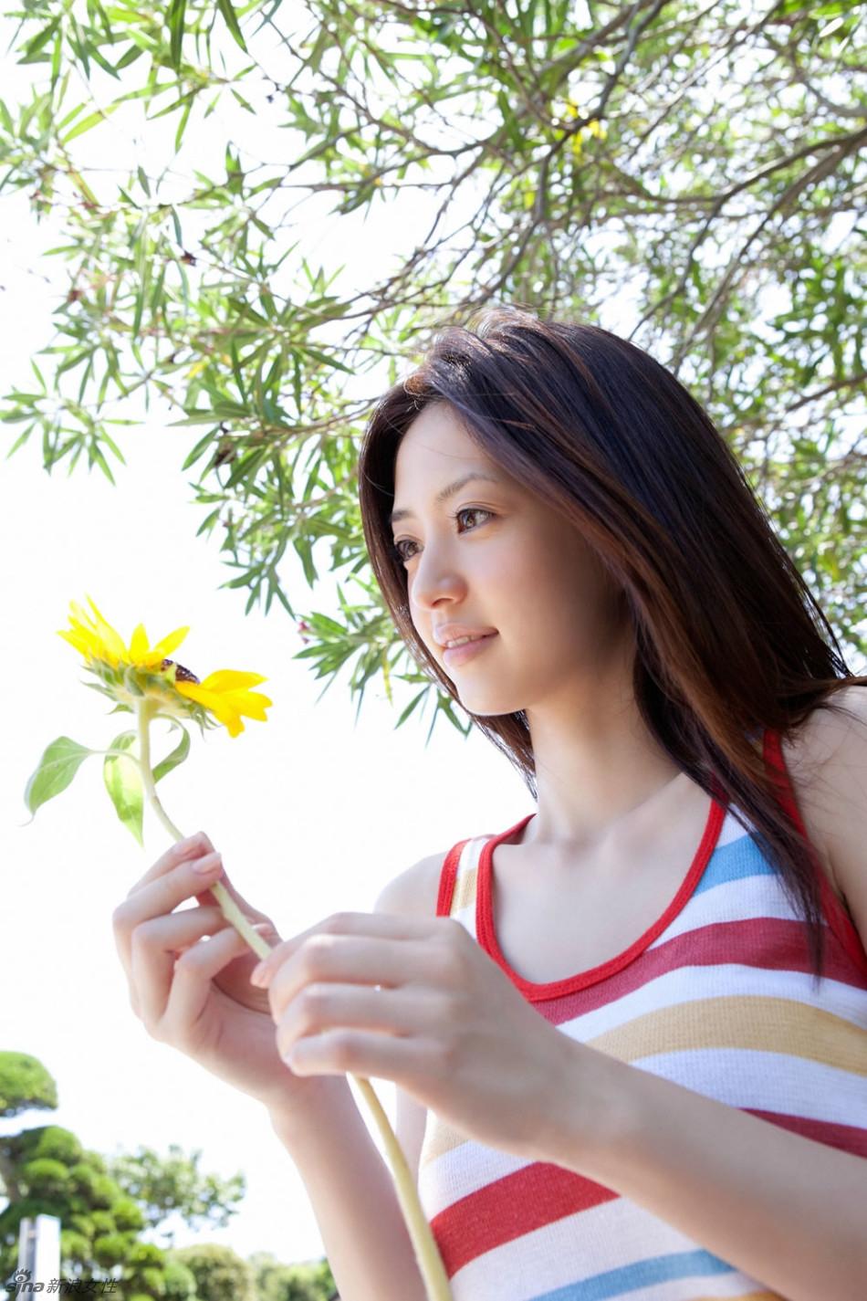 【赏你网】日本最强美少女逢泽莉娜夏日写真
