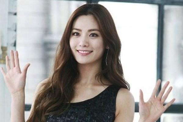韩国最美脸蛋NANA