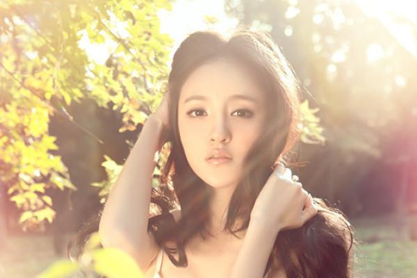 刘雨欣张檬谁更美