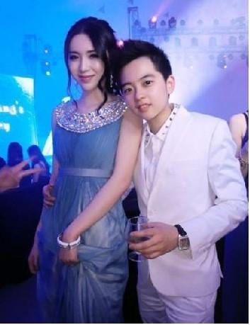 深圳 16岁 顶级 富二代 的奢华生活,美女豪车私人飞机-十六岁男奢华