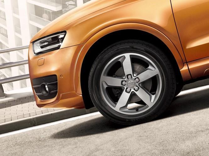 全新奥迪Q3车型设计的每一个细节均彰显出越野动感和城市风格.与高清图片