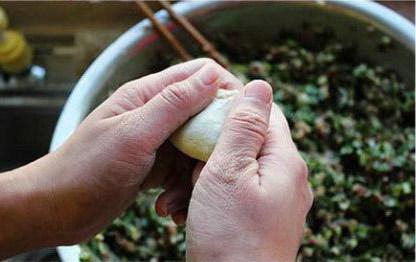 饺子虽然总是一个味道,但是饺子的包法却是各种各样,花样翻新,