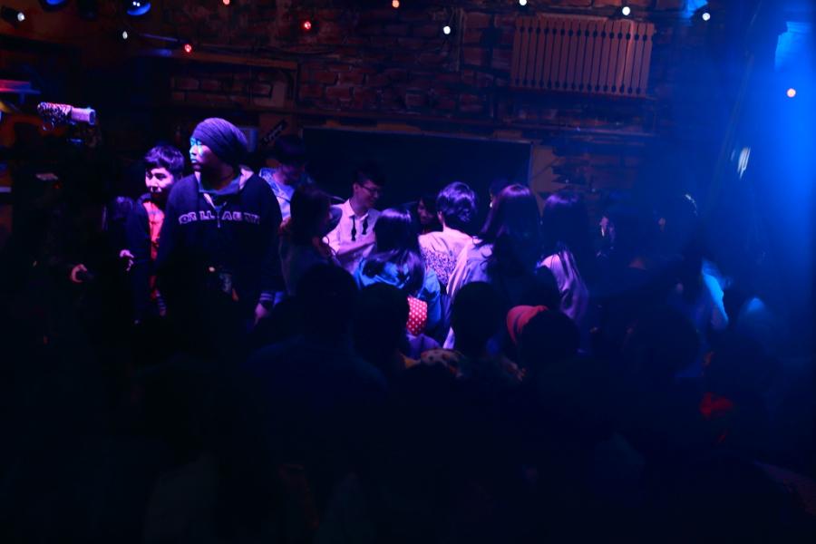 天Alex首场高校演唱会在东北林业大学举行.-夏天Alex2014哈尔滨站