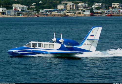 中国大型水陆两用无人机首飞 最远航程2000公里