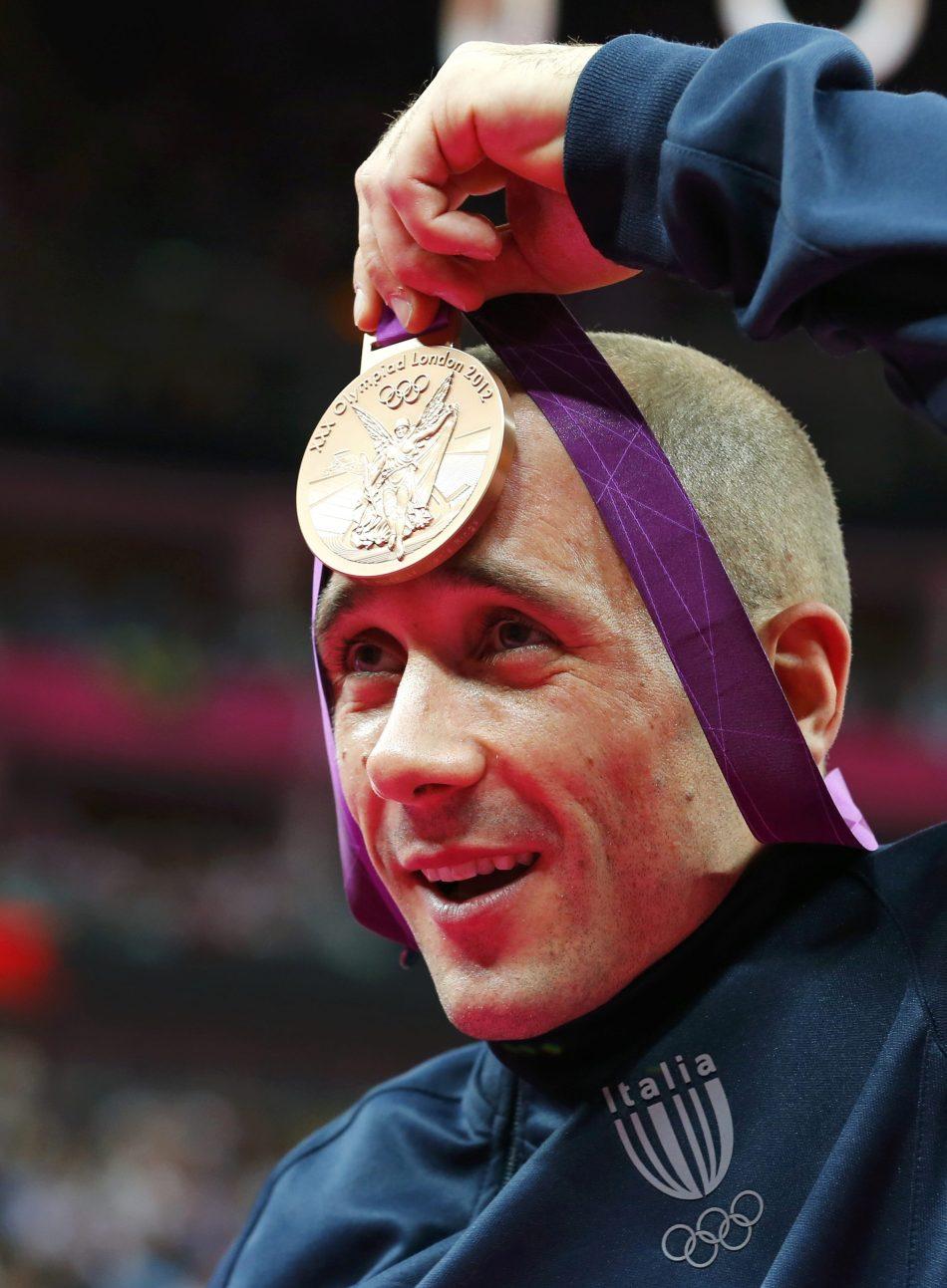 ...∈帜砂屠1444-扎内蒂无缘该项目的冠军,最终获得一枚银牌.
