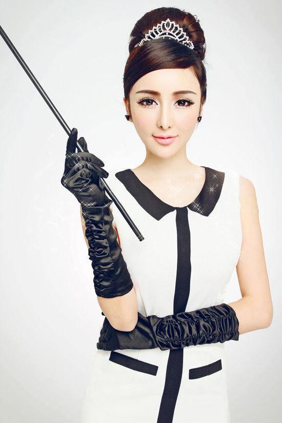 """美佑熙,中法混血儿,拥有天生的天使脸孔与魔鬼身材.2012年""""亚洲"""