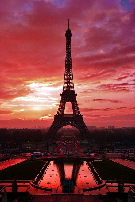 唯美的巴黎埃菲尔铁塔图片