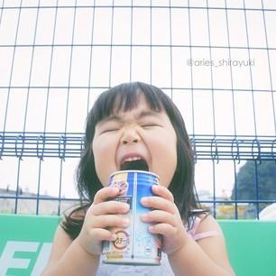 表情女帝 鬼马的日本四岁女孩Aries图片