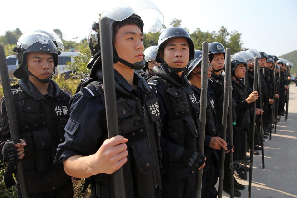 10月31日,弋阳砍杀小学生事件已造成2人遇难,1人重伤.目前,警