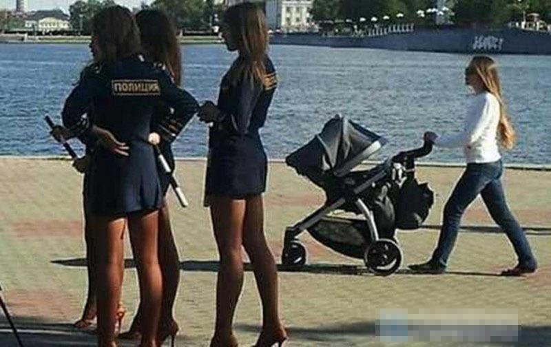 俄罗斯女警太性感 盘点12个国家绝美女警
