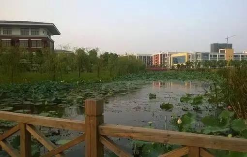 002年更名为江西科技师范学院.而后南昌高等专科学校并入.并且