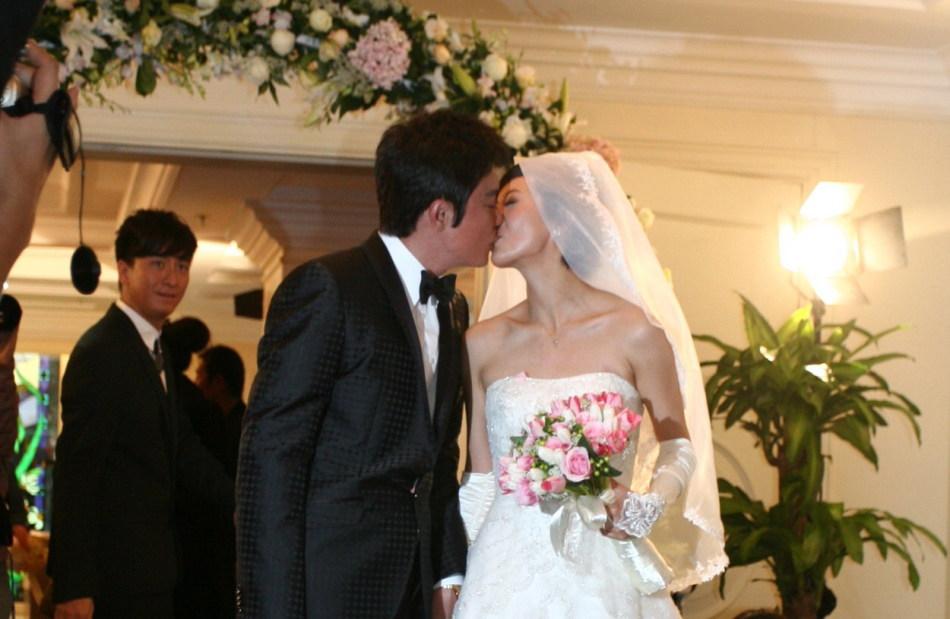 罗嘉良与苏岩的婚礼将在北京丽兹卡尔顿酒店举行.冯科 王黎/图-新图片