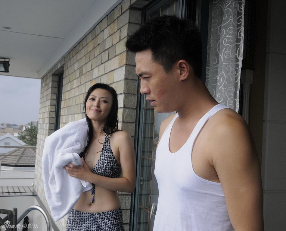 日本男生宿舍晨勃视频-新浪娱乐讯 由上海蓝星荣誉出品,杜淳、姚芊羽领衔主演,《保姆》图片