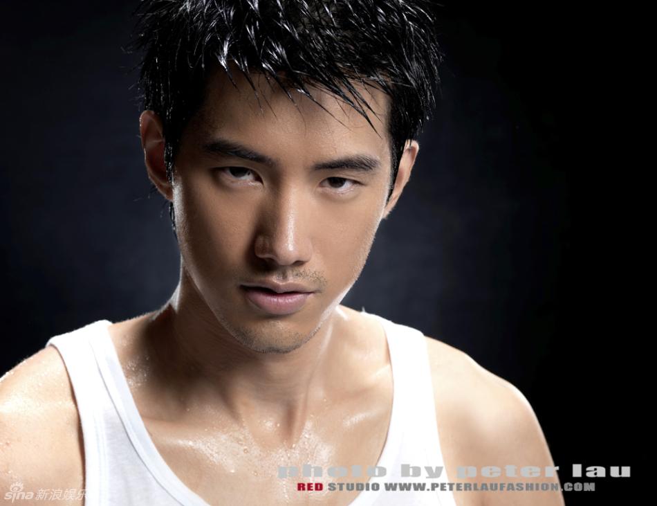 高清图:吴建飞代言护肤品牌图片