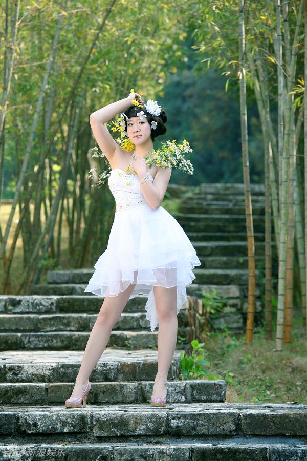 芙蓉姐拍婚纱写真 该瘦的瘦了 不该瘦的还那样(组图)