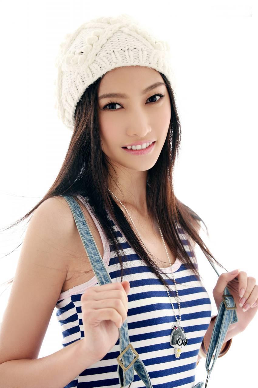 组图:白洁时尚写真曝光 引领90后甜美少女风_高清图集