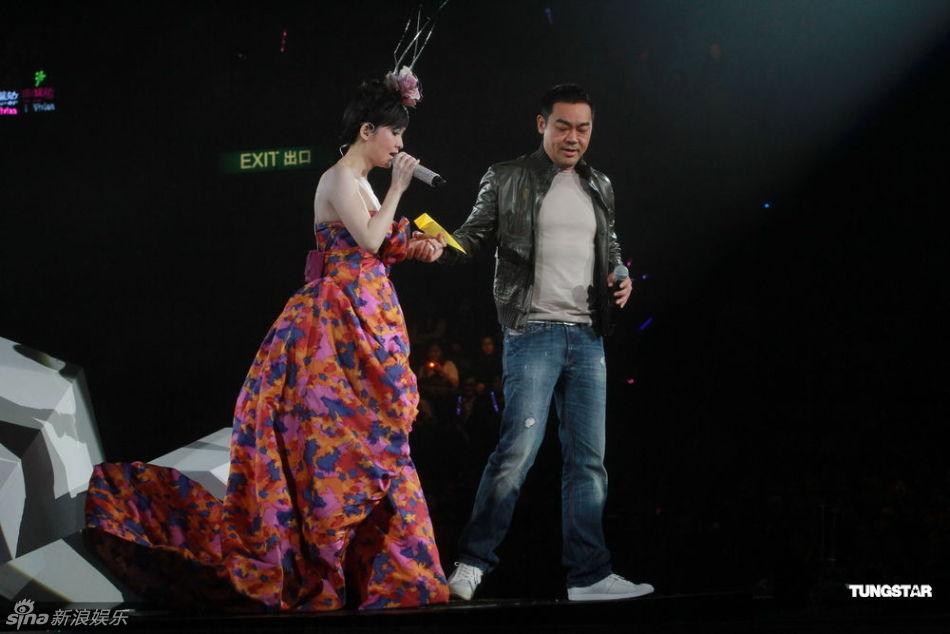 ep V.25周慧敏演唱会》在红馆落幕,不仅请来李克勤、张敬轩、古巨