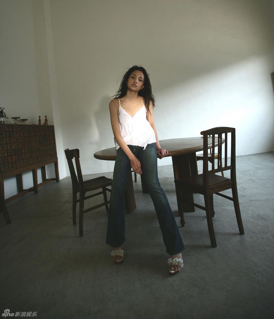 中美混血儿明星歌手-23岁日美混血女星黑木明纱80张美图