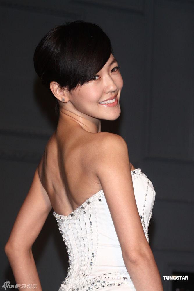 小s的婚纱_小S婚纱-真人演绎 1999 2009婚纱发展十年历程
