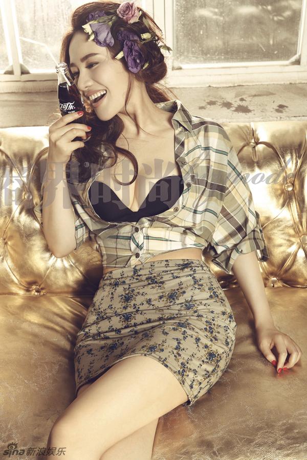 女星孟茜萝莉范儿十足