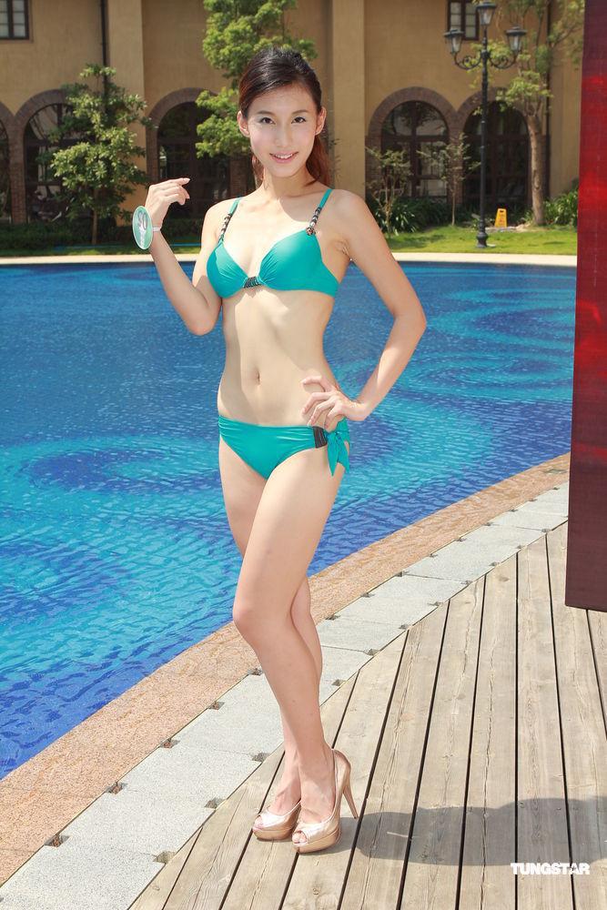 2011中华小姐泳装外景拍摄