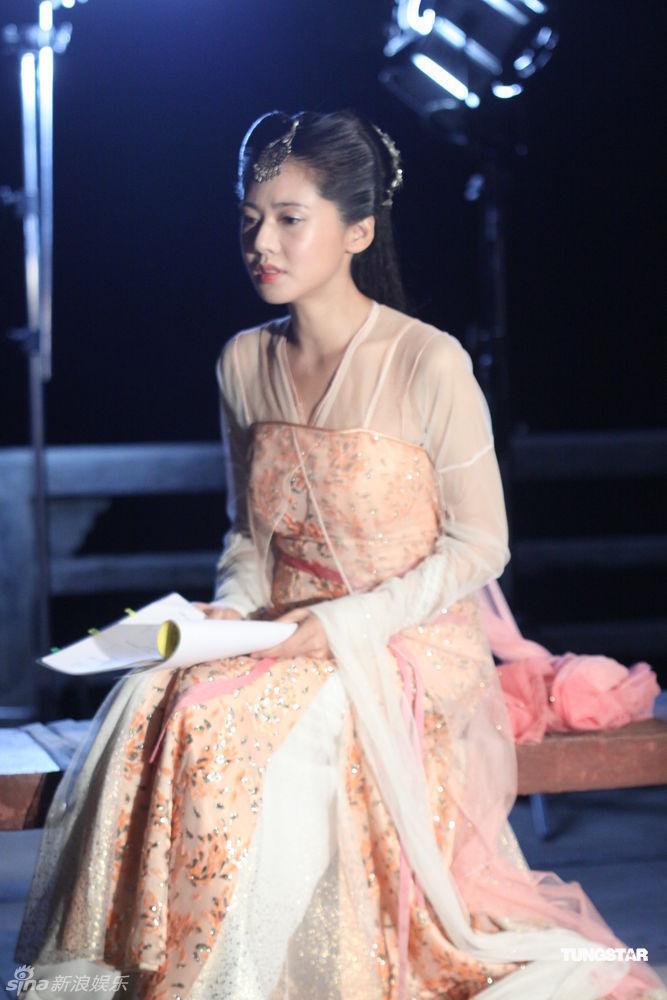 秋瓷炫美人图图片