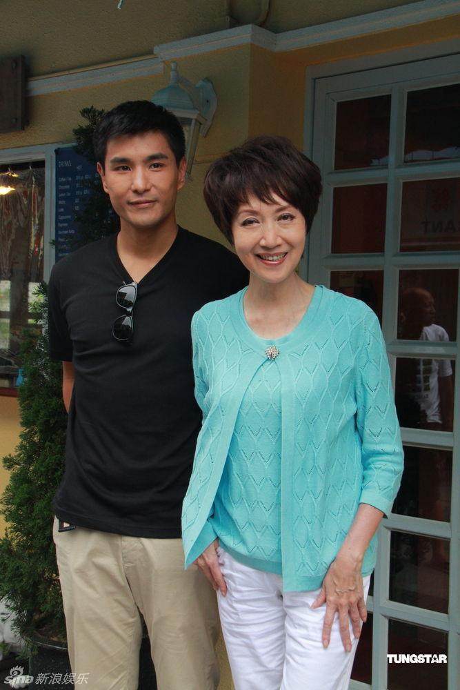 http://www.sinaimg.cn/dy/slidenews/4_img/2012_24/703_669786_201354.jpg