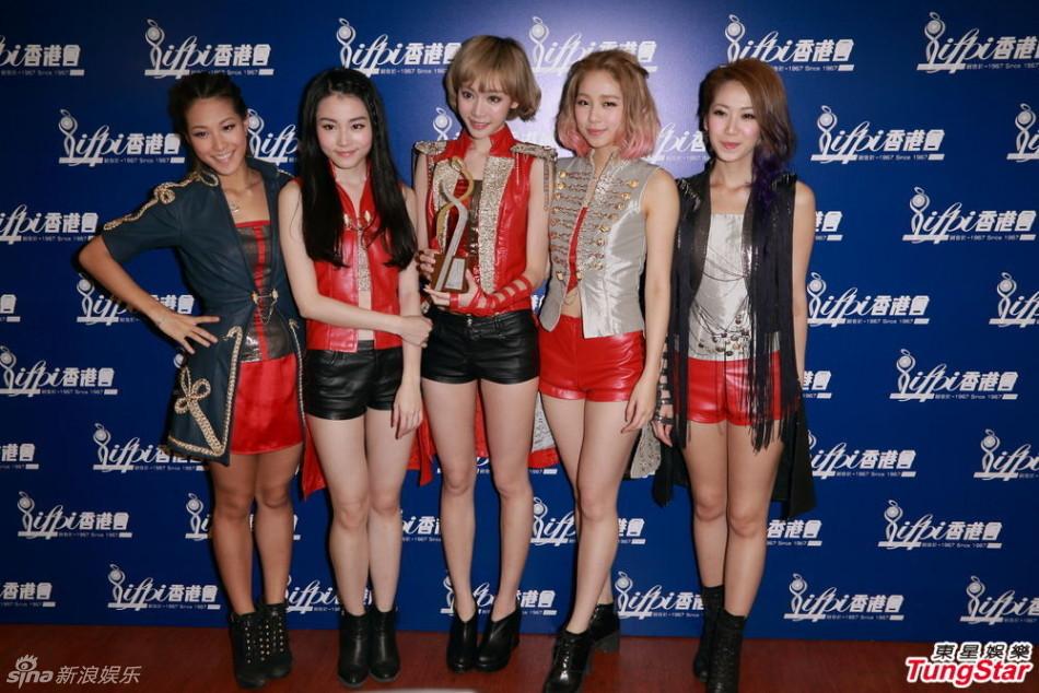 http://www.sinaimg.cn/dy/slidenews/4_img/2013_09/704_899196_185388.jpg