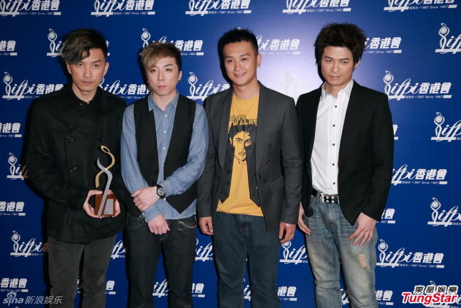 http://www.sinaimg.cn/dy/slidenews/4_img/2013_09/704_899202_758852.jpg