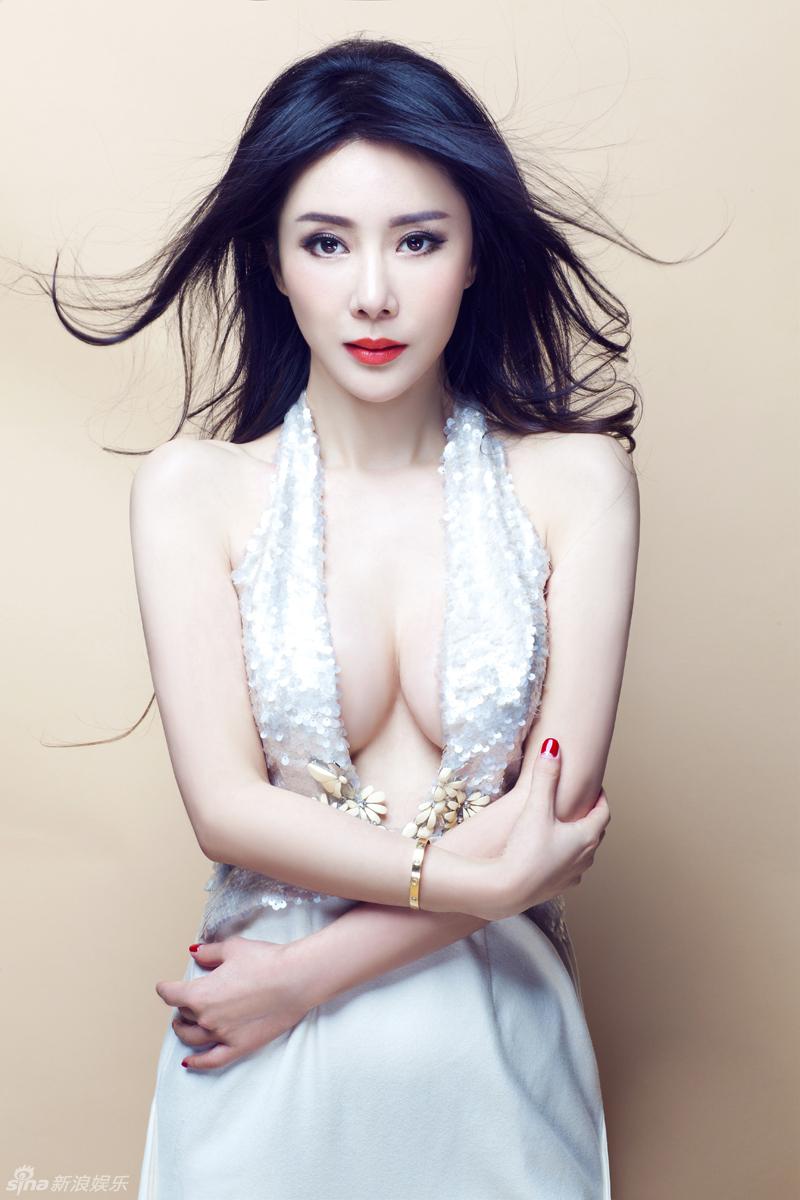http://www.sinaimg.cn/dy/slidenews/4_img/2013_10/704_906192_298276.jpg