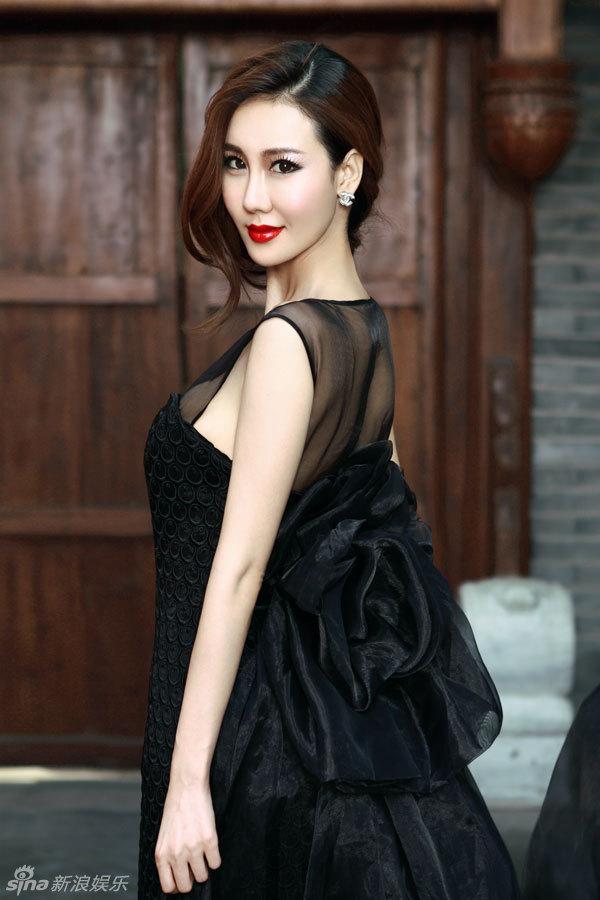 http://www.sinaimg.cn/dy/slidenews/4_img/2013_10/704_906306_870741.jpg