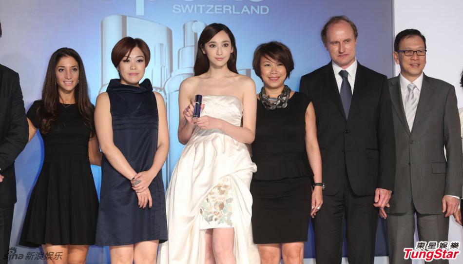 http://www.sinaimg.cn/dy/slidenews/4_img/2013_11/704_908211_949466.jpg