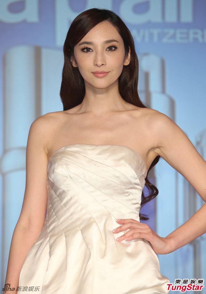 http://www.sinaimg.cn/dy/slidenews/4_img/2013_11/704_908215_833243.jpg