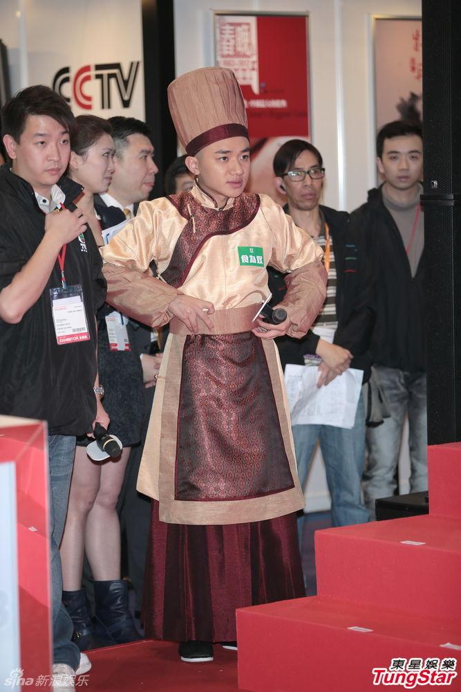 http://www.sinaimg.cn/dy/slidenews/4_img/2013_12/704_915398_986983.jpg