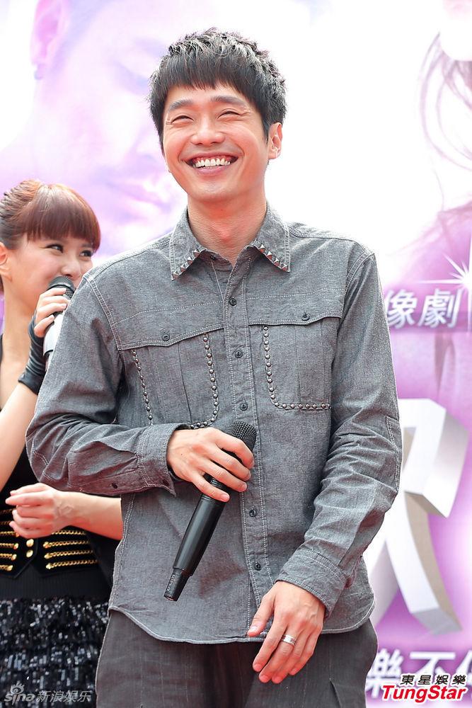 http://www.sinaimg.cn/dy/slidenews/4_img/2013_12/704_919332_954315.jpg