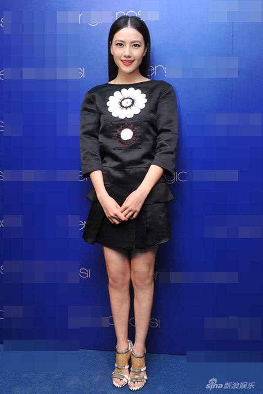 http://www.sinaimg.cn/dy/slidenews/4_img/2013_13/704_924445_925962.jpg