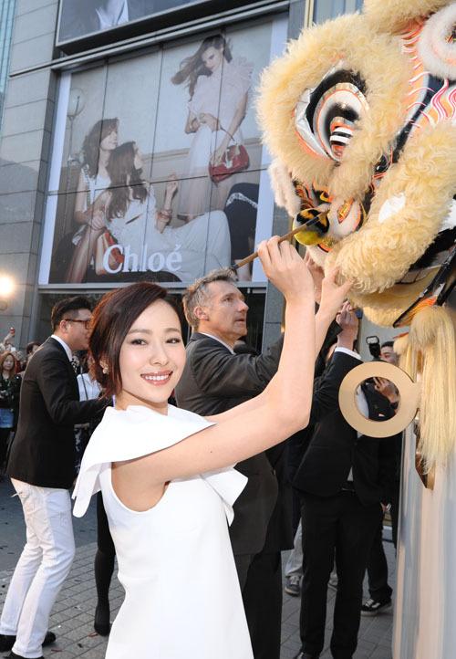 http://www.sinaimg.cn/dy/slidenews/4_img/2013_15/704_935394_657000.jpg