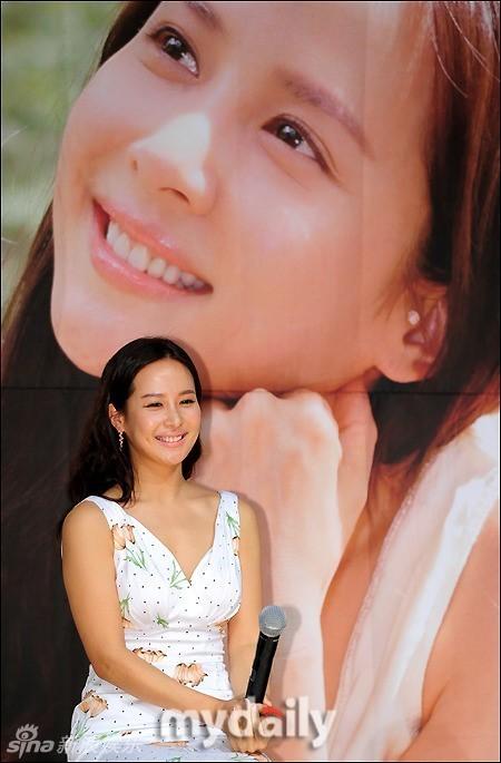 http://www.sinaimg.cn/dy/slidenews/4_img/2013_17/704_947745_322392.jpg