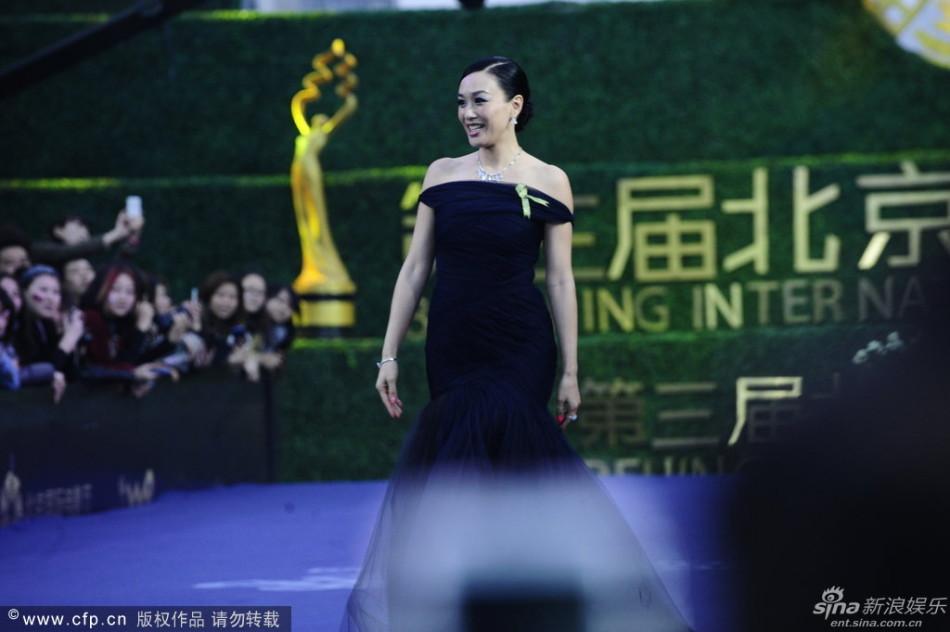 http://www.sinaimg.cn/dy/slidenews/4_img/2013_17/704_948034_881060.jpg